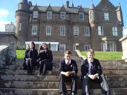 Studiare presso una boarding school inglese per un trimestre, semestre o anno all'estero o per il diploma