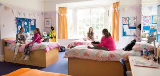 anno all'estero boarding school inglese tipo di alloggio