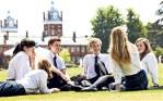 semestre di scuola superiore o media nel regno unito in boarding school